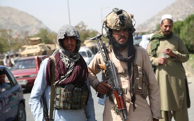 8月16日,塔利班在阿富汗喀布尔街头执勤。(本文配图均自新华社)