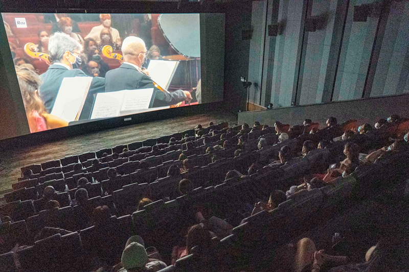 9月5日,2021意大利布索尼国际钢琴比赛决赛音乐会在英皇电影城上映