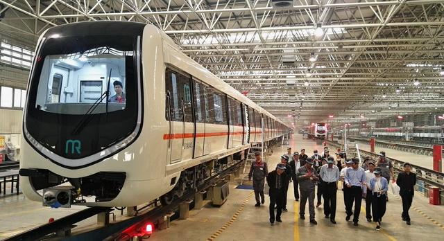 中车唐山机车车辆有限公司生产车间。摄影/章轲
