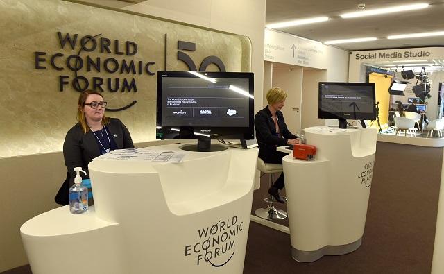 WEF计划恢复在达沃斯举行2022年年会,主题:携手合作,重建信任