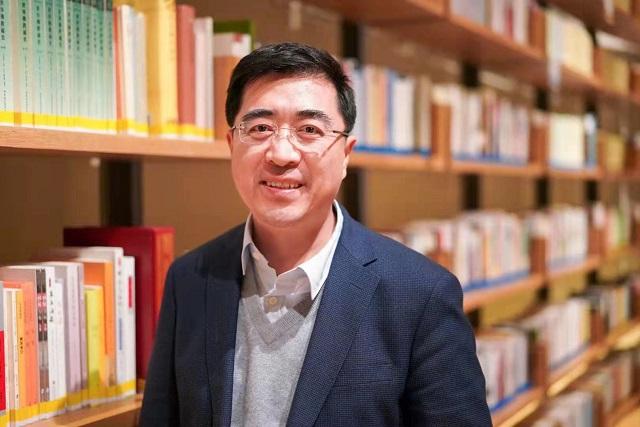 中国社会科学院欧洲研究所所长、研究员冯仲平