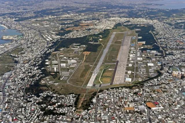 这是2018年1月27日航拍的日本冲绳驻日美军普天间基地。新华社/美联