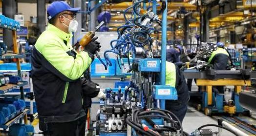 6月份规模以上工业增加值增长4.8%,上半年同比下降1.3%